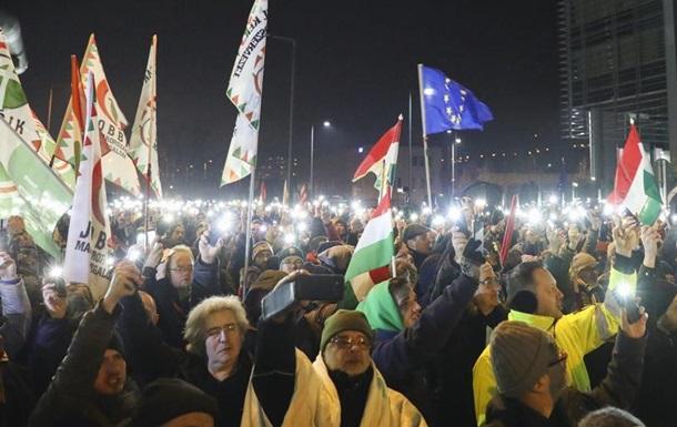 Президент Угорщини підписав  закон про рабство