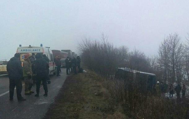 В Одеській області зіткнулися більш як десять автомобілів