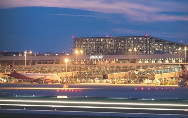 В Германии усилили меры безопасности в аэропортах из-за угрозы терактов