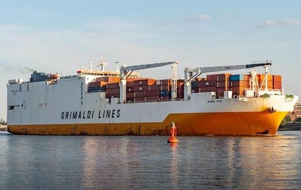 В Британии спецназ штурмовал судно, которое захватили мигранты