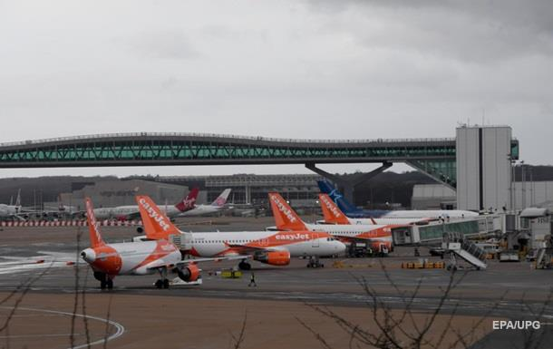Полиция задержала двух человек из-за запуска дронов в аэропорту Лондона