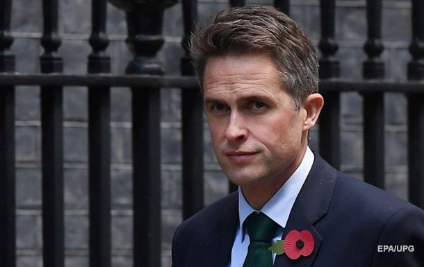 Глава Минобороны Британии пытается сместить Мэй − СМИ