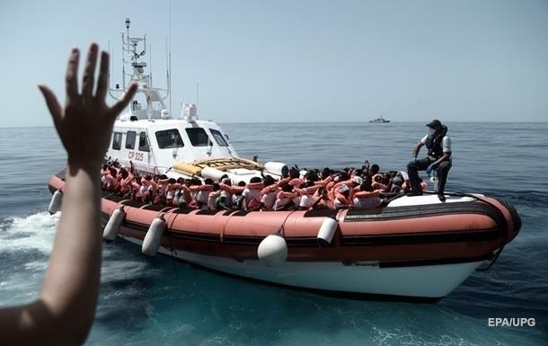 Италия закрыла порты для спасенных в море беженцев