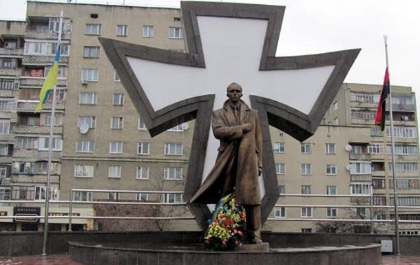 Украинцы высказали свое отношение к Степану Бандере.