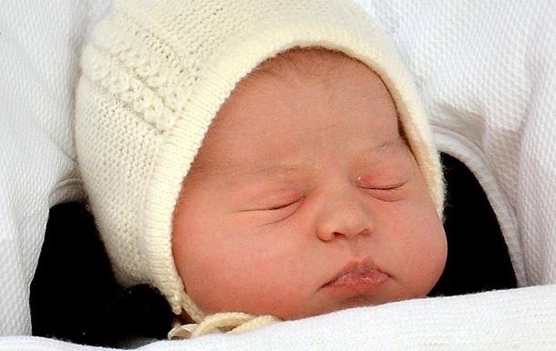 На Закарпатье в подъезде дома нашли новорожденного ребенка