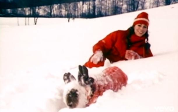 Рождественский хит Мэрайи Кэри побил рекорд популярности