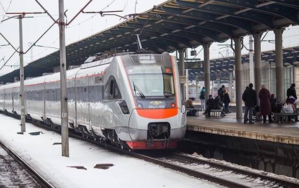 Укрзалізниця призначила додаткові поїзди через Полтаву