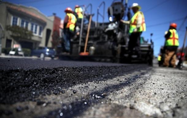 В Кабмине озвучили планы по ремонту дорог на год