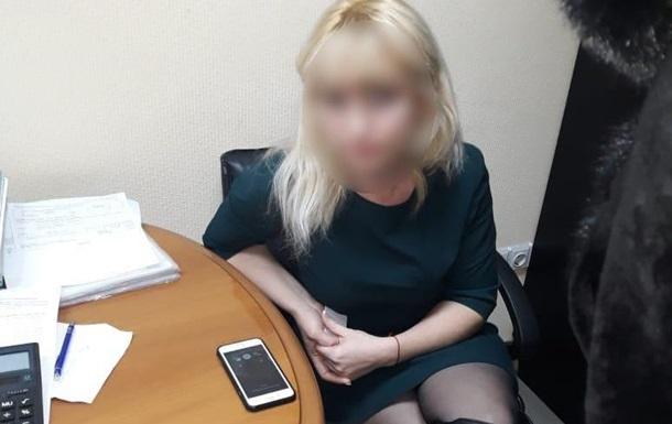 У Києві главу банку затримали за вимагання мільйонного хабара