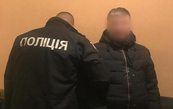 Поліція затримала іноземців, які обкрадали авто киян