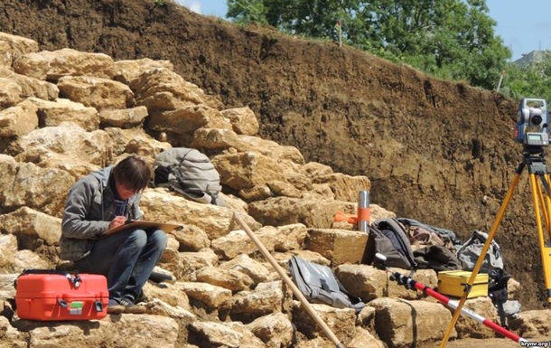 Под новые санкции Киева попали археологи: за раскопки в Крыму