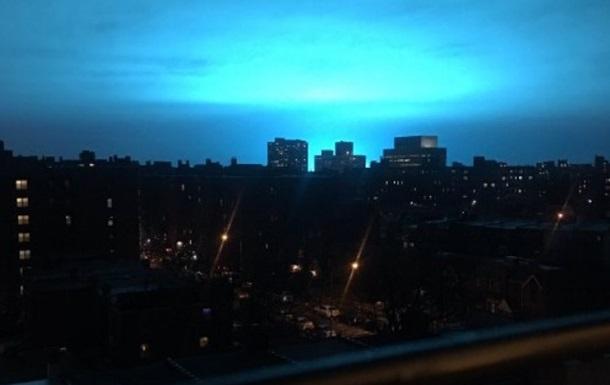 В Нью-Йорке из-за взрыва на заводе  посинело  небо