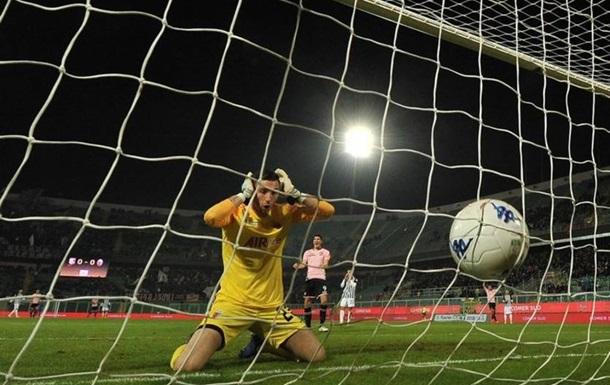 Итальянский вратарь забил самый безумный автогол уходящего года