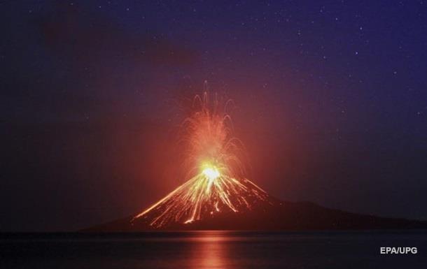Вулкан в Индонезии втрое уменьшился после извержения
