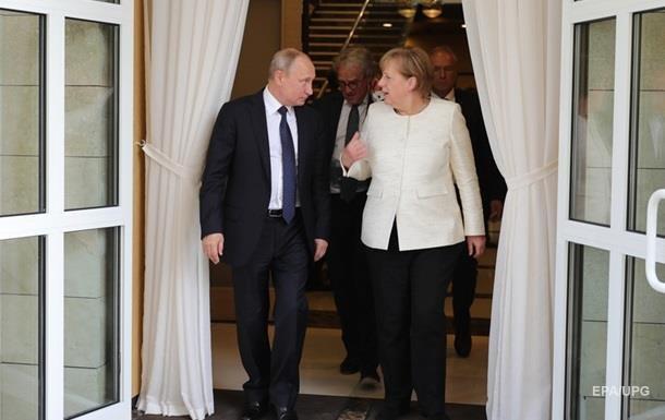 Меркель и Путин обсудили вопросы Украины и Сирии