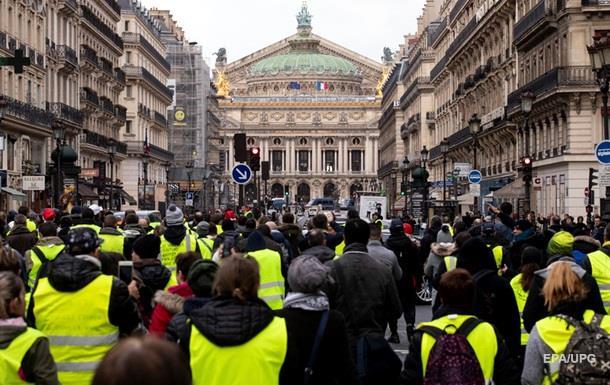 Во Франции возобновились протесты  желтых жилетов