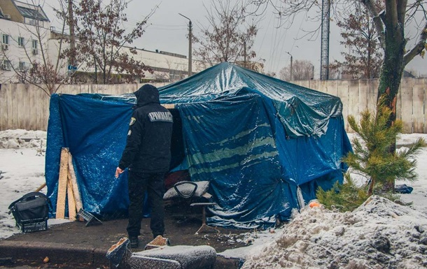 У Києві на смерть замерз чоловік