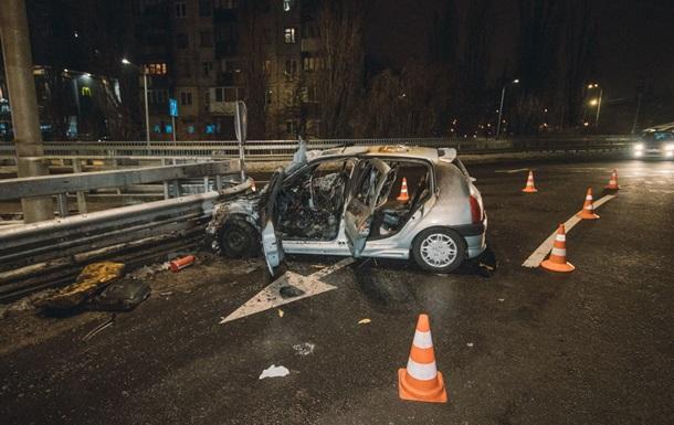 У новорічну ніч в Києві згоріло авто