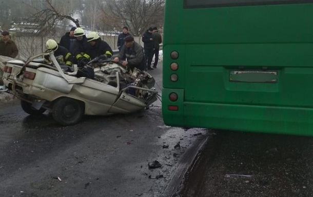 Под Киевом Запорожец столкнулся с маршруткой: трое погибших