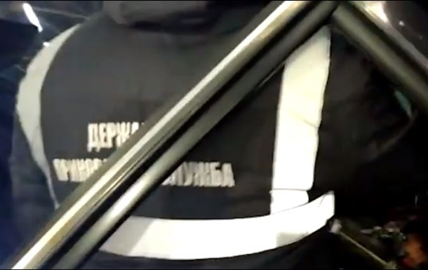 Пограничники нашли в баке автомобиля 25 кг янтаря