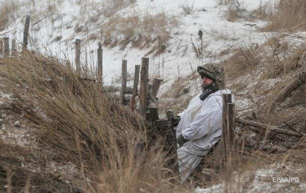 На Донбассе три обстрела за сутки, ранен военный