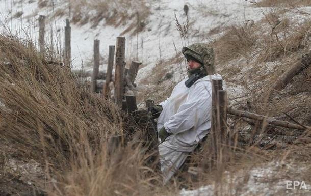 День на Донбасі: чотири обстріли, один поранений