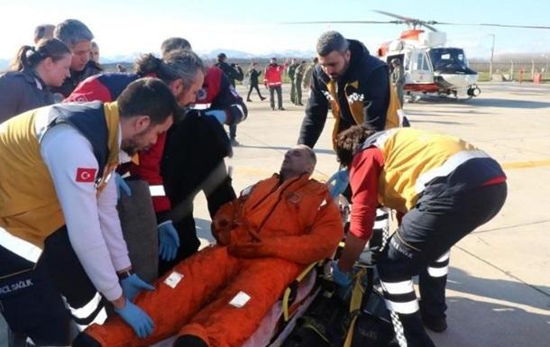 Украинский консул в Турции посетил в больнице спасенных моряков