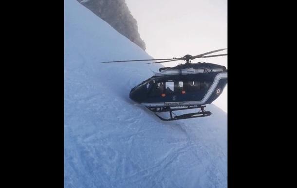 Спасение раненого лыжника в Альпах сняли на видео