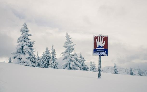 У Баварії лавина накрила частину села