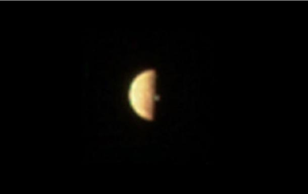 Виверження вулкана на супутнику Юпітера зняли на фото
