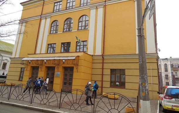 В Киеве эвакуировали школу