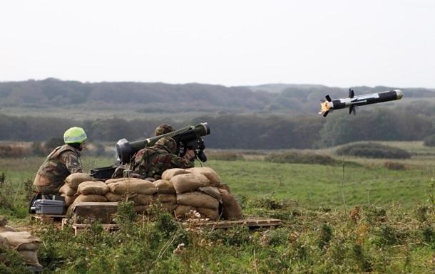 Javelin прекратили обстрелы из танков - Порошенко
