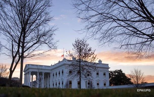 СМИ: Белый дом готовится к введению ЧП в стране