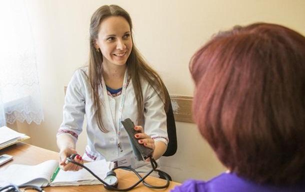 Лікарям дозволили укладати декларації з українцями понад норму
