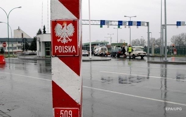 В трех пунктах пропуска на границе с Польшей не будут пропускать грузовики