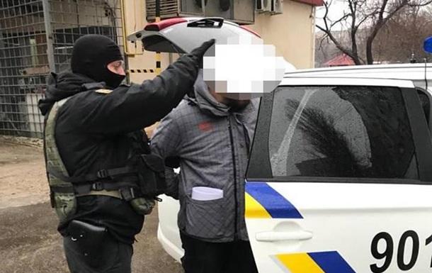 В Одесі злодії через вікна виносили зі шкіл оргтехніку