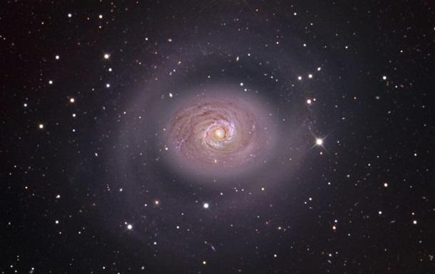 Ученые нашли аномально  одинокую  галактику