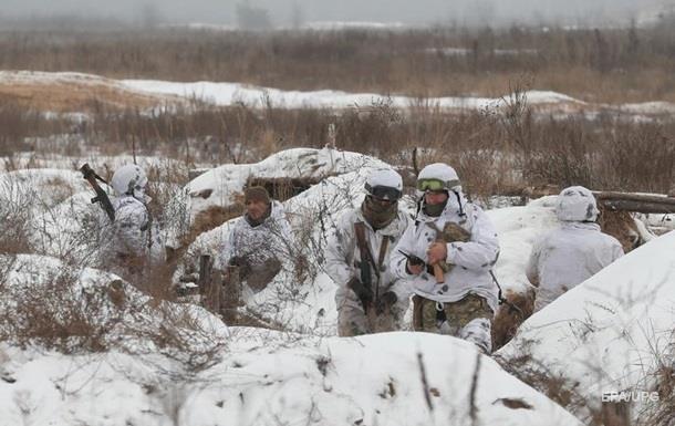 На Донбассе за день пять обстрелов, есть раненый