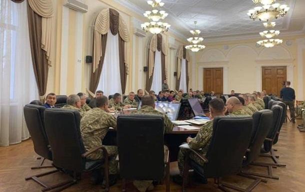 Полторак звільнив 10 офіцерів за неосвоєння коштів
