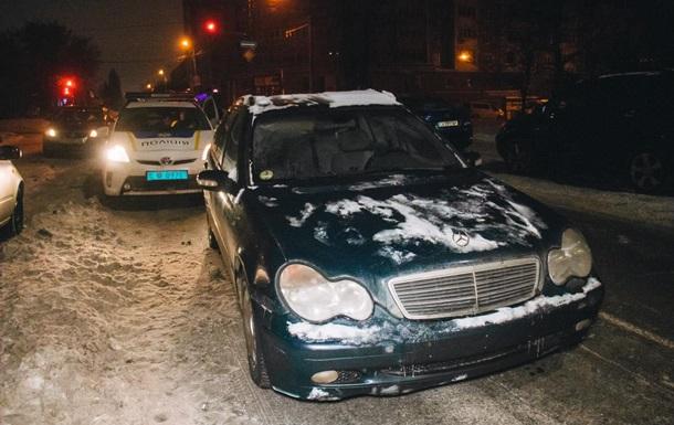 У Києві п яний працівник СТО викрав авто і влаштував  перегони  з поліцією