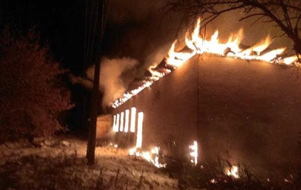 Под Киевом сгорел заброшенный дом культуры
