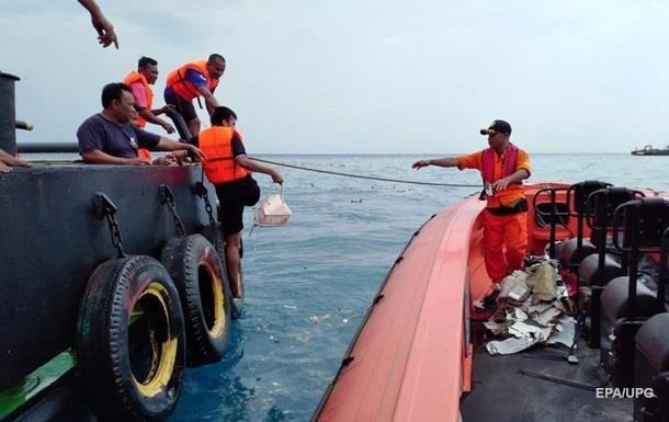 Крушение самолета в Индонезии: найден речевой самописец