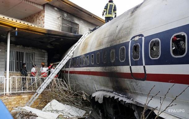 Авиакатастрофа в Иране: обнаружен один выживший