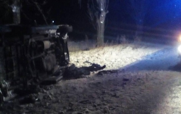 У Львівській області перекинувся мікроавтобус: загинув водій