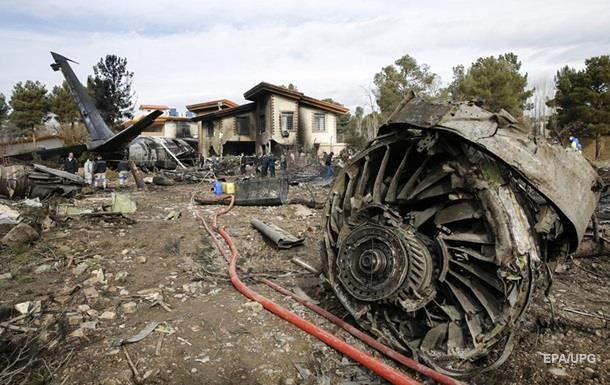 Названо кількість жертв авіакатастрофи в Ірані