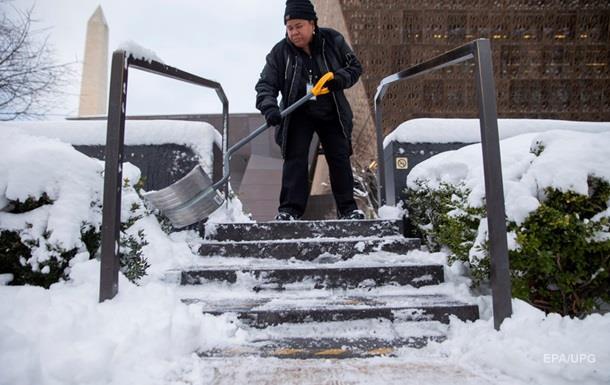 Вашингтон накрыла снежная буря