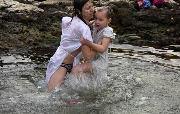 Власти Киева назвали список мест, оборудованных для купания на Крещение