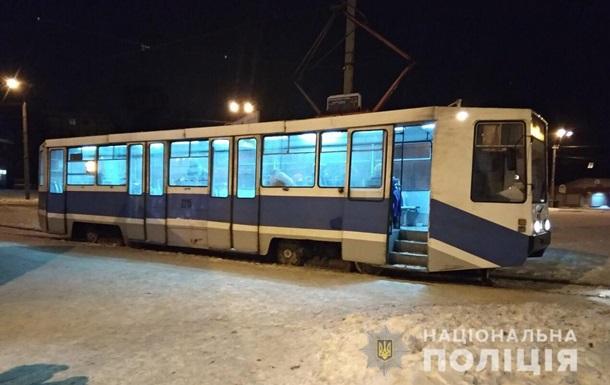 У Дніпрі чоловік побив водія трамвая і розбив вікно