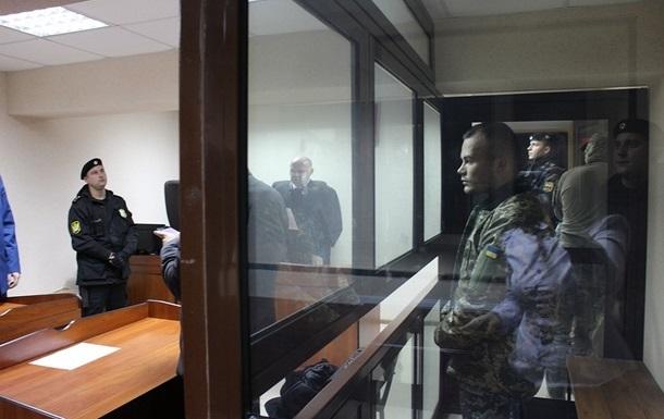 Родичі українських моряків змогли поспілкуватися з ними в залі суду