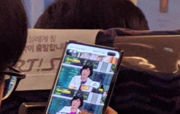 Samsung Galaxy S10 Plus показали на живом фото